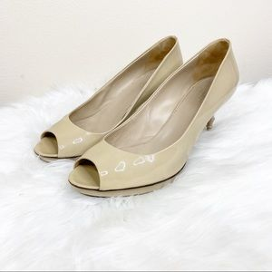 Gucci Cream Patent Leather Peep Toe Heels 10